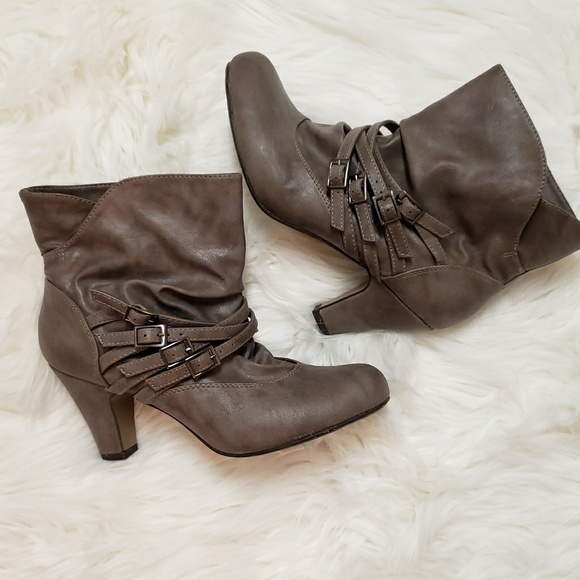 unknown Shoes - Womens boots size 7.5